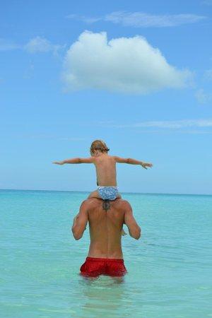 Pigeon Cay Beach Club: Lucia