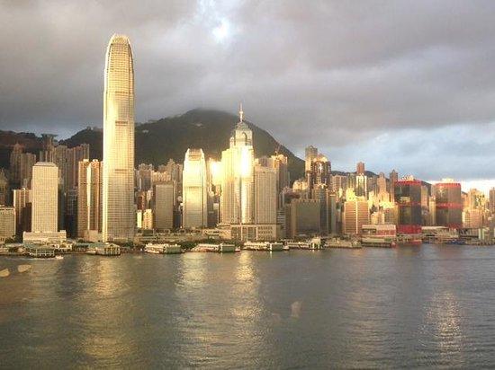 Marco Polo Hongkong Hotel: Blick aus dem Zimmer Clubflur #1751