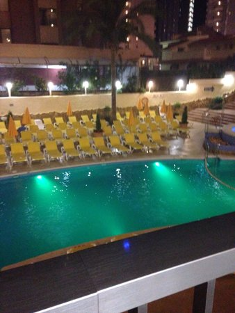 Hotel RH Princesa: Pool at night