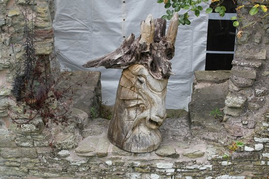 Usk Castle: Fantasy Carving !