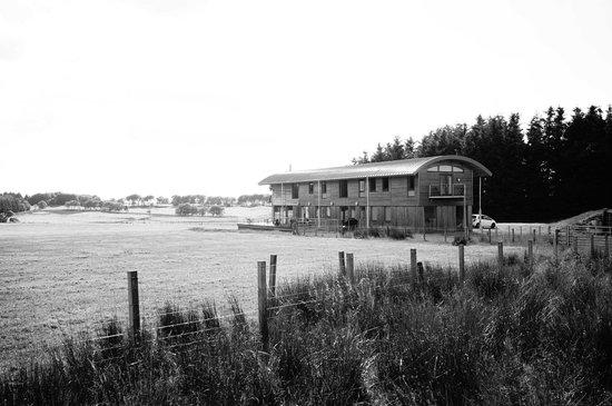 Crosswoodhill Farm Holiday Cottages Near Edinburgh: Outside
