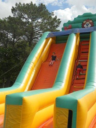Le P'tit Délire : All age inflatable slide