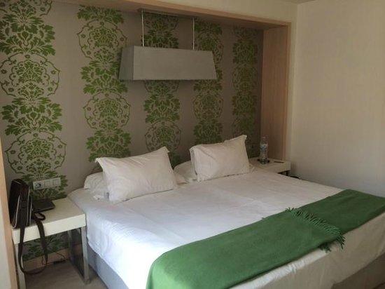 Double Tree Hilton  Hotel Girona : habitación