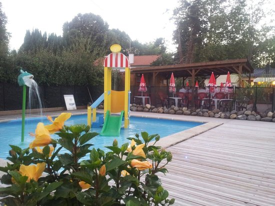 Piscine 2014 camping le Terrier