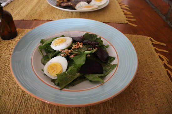 Olive: Spinach, Beetroot, and Egg Salad