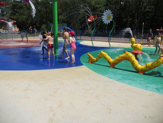 Le P'tit Délire : Water park in the afternoon