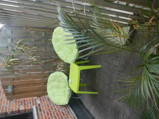 Bubble Lounge Hotel : terrasse pop