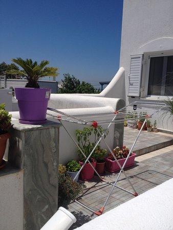 Kontaratos Studios & Apartments : la terrazza