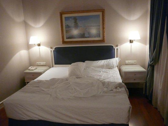 Hotel Atlantico: Номер с одной большой кроватью