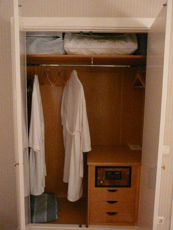 Hotel Atlantico: Гардеробная комната