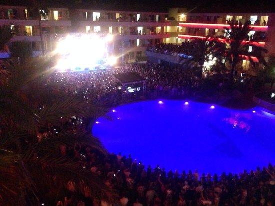 BH Mallorca: Ed Sheeran's Gig, July 2014