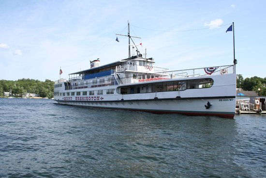 Lake Winnipesaukee: The cruise boat