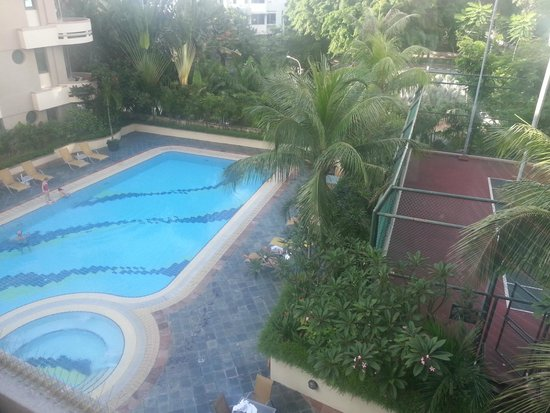 Le Grove Serviced Apartments : Pool view from the room