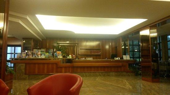 Euromotel Croce Bianca: Hall euromotel