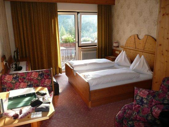 Hotel Edelweiss: Zimmer