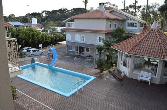 Pousada Doce Canela: Vista do quarto para a piscina