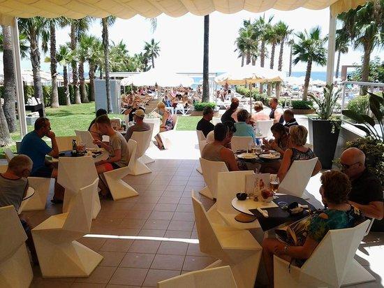 Hotel Riu Nautilus: Bar/snack de la piscine