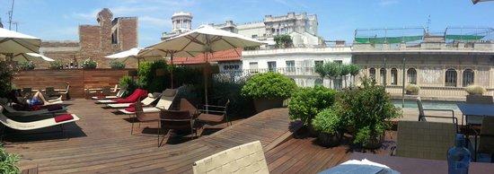 Mercer Hotel Barcelona: Blick von der Dach- bzw. Poolbar