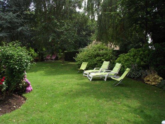La Villa Antalya : lovely garden