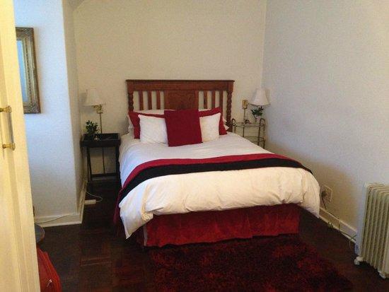 5th Avenue Gooseberry: room