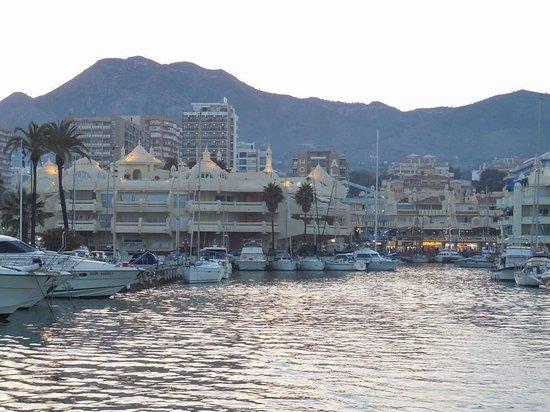Benalmadena Puerto Marina : La sortie du port