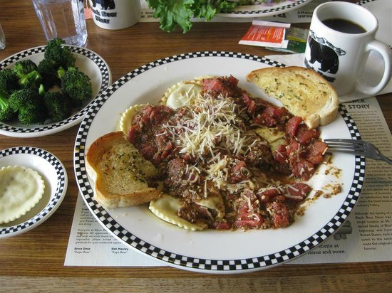 Black Bear Diner - Mt. Shasta : Yummy Ravioli!