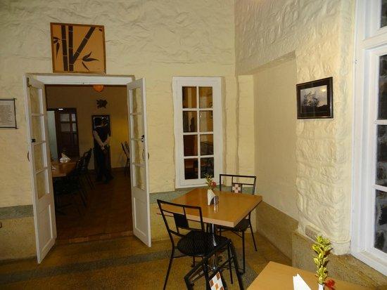 Villa Retreat: Dining area