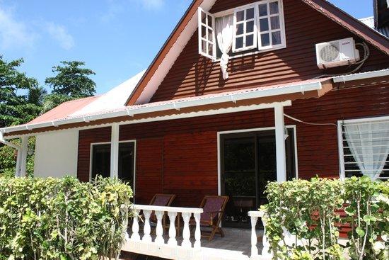 L'Auberge de Nadege: terrasse de la chambre