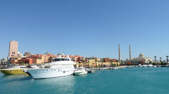 Mahmya Island: view from Hurgadas pier