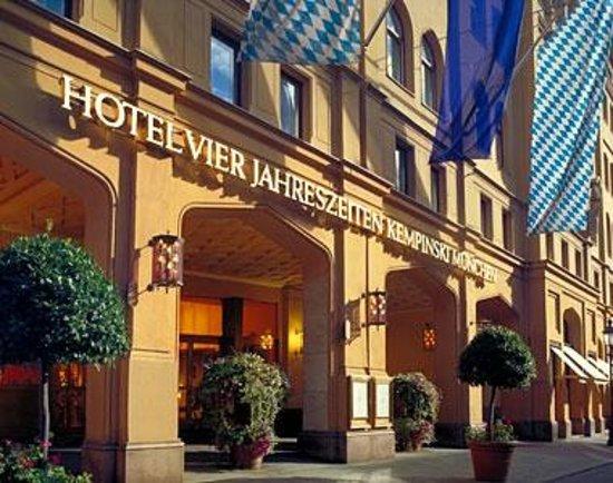 Hotel Vier Jahreszeiten Kempinski Munchen: Hotel Exterior