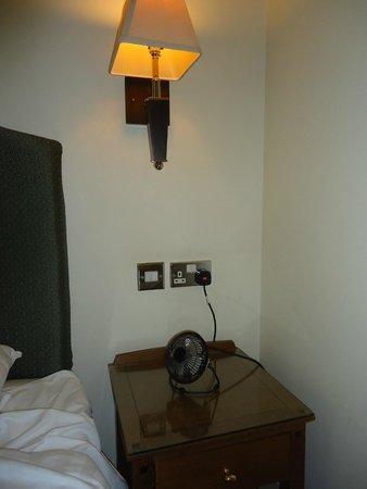 Hall Garth Hotel & Country Club: Bedside fan