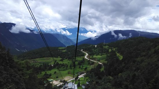 Yulong (Jade Dragon) Mountain: Views on the cable car to Yak Meadow