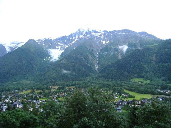 Hotel Les Campanules: vue de la chambre de notre hotel