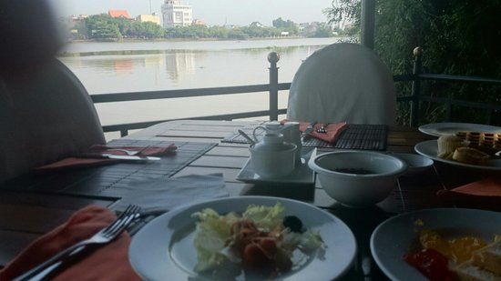 Saigon Domaine Luxury Residences: Breakfast