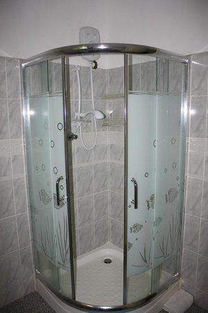 Le Cannellier: douche