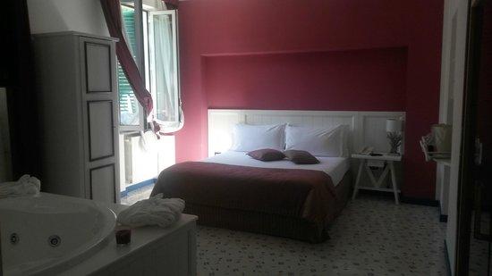 Cala Moresca: camera da letto con vasca idro