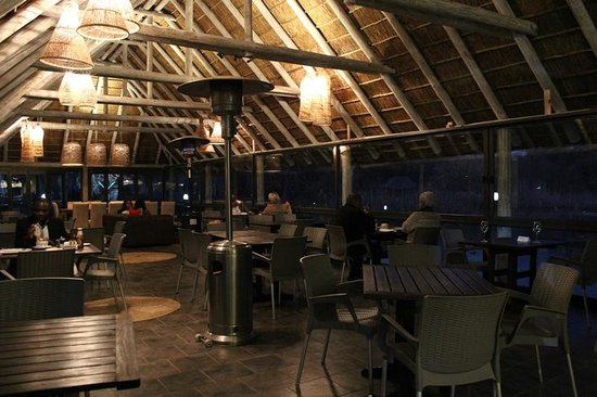 The Blue Crane Restaurant and Bar: main restaurant seating area