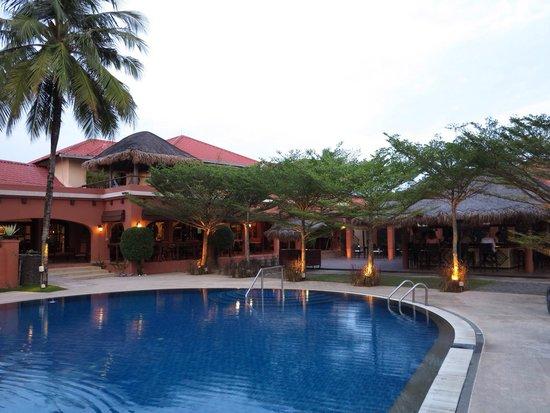 Casa del Mar, Langkawi : The pool and bar