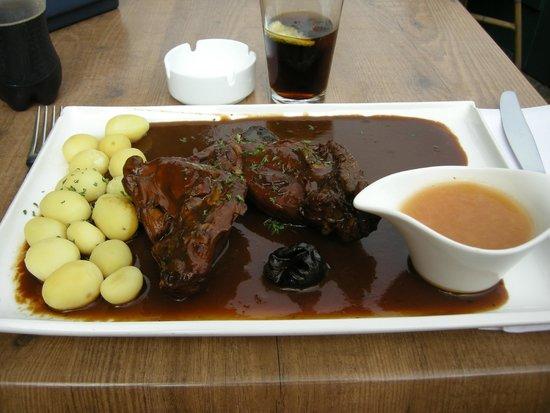 De Carre: flemish-style rabbit, potatoes, beer sauce, plum sauce