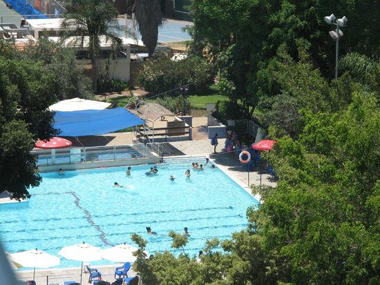 Kfar Maccabiah Hotel & Suites : View of one of the pools from our room