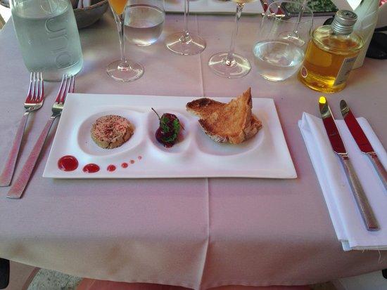 Auberge de la Reine Jeanne : Foie gras et ces cerises