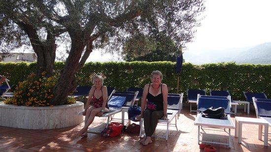 Hilton Sorrento Palace: Poolside