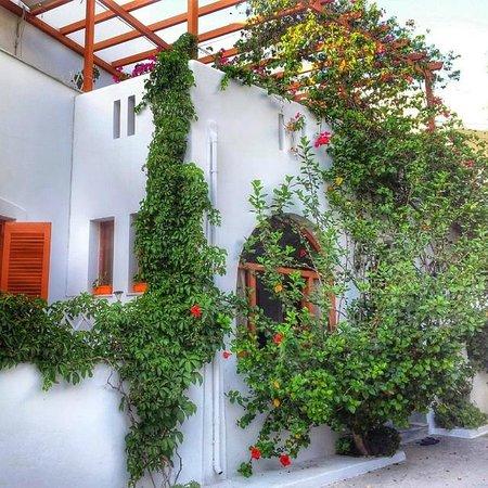 Marisa Rooms: Struttura vista dall'esterno