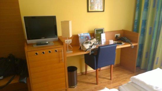 Central Hotel: scrivania