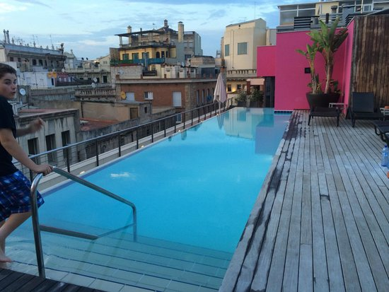 Hotel Barcelona Catedral: Rooftop pool