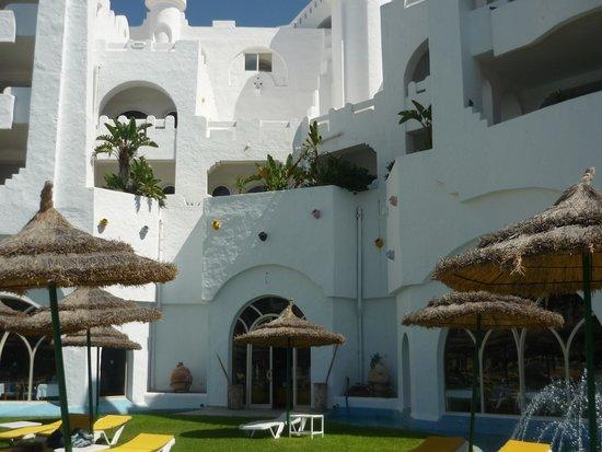 Lella Baya: Hotel