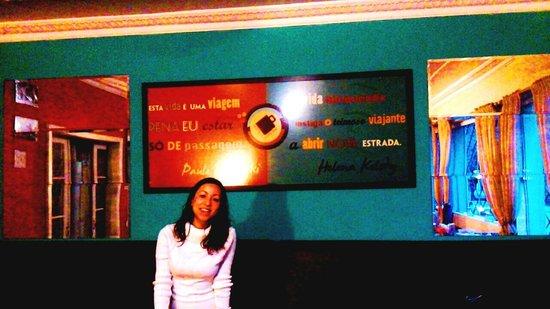 Expresso Curitiba Hostel: Salinha do café