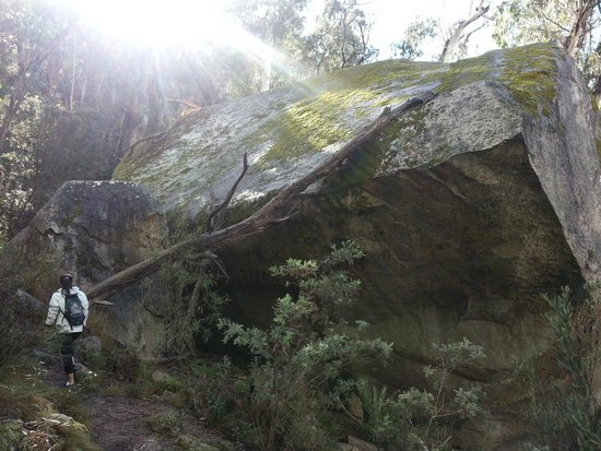 Booroomba Rocks Walk: Huge!!!