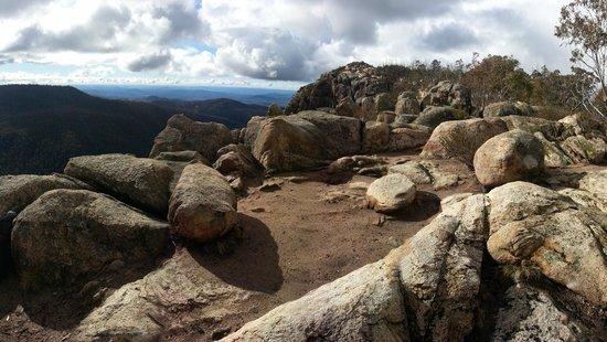 Booroomba Rocks Walk: one of many viewing spots, Booroomba Rocks