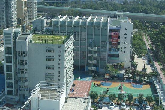 Regal Riverside Hotel : вид из окна 1